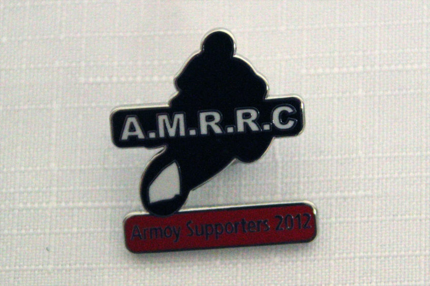 badge-supports-club-2012-1-099